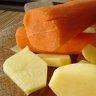 Cartofi umpluti, cu garnitura de ciuperci